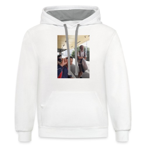 VOOMASS at the train station - Unisex Contrast Hoodie