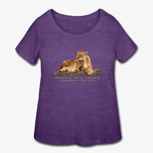 Lion-My child comes first - Women's Curvy T-Shirt