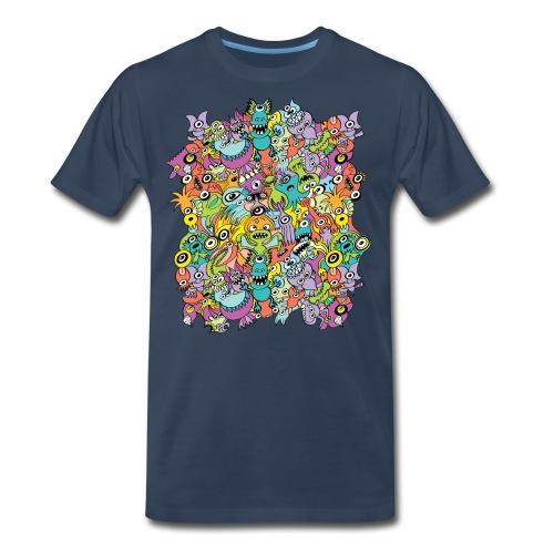 Aliens of the universe posing in a pattern design - Men's Premium Organic T-Shirt