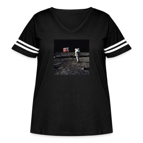 buzzAldrin jpg - Women's Curvy Vintage Sport T-Shirt
