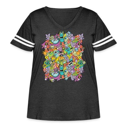 Aliens of the universe posing in a pattern design - Women's Curvy Vintage Sport T-Shirt