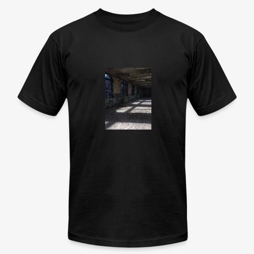 Abandon Prison Broken window room - Men's Fine Jersey T-Shirt
