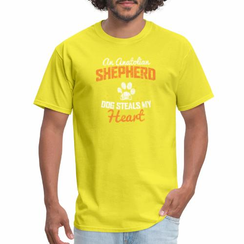 AN ANATOLIAN SHEPHERD DOG STEALS MY HEART - Men's T-Shirt