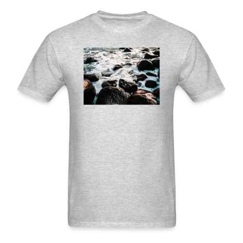 Rocks at the beach - Men's T-Shirt