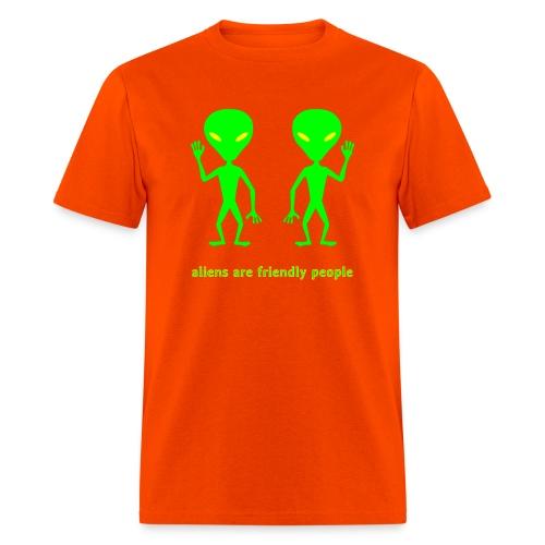 aliens are friendly people - Men's T-Shirt