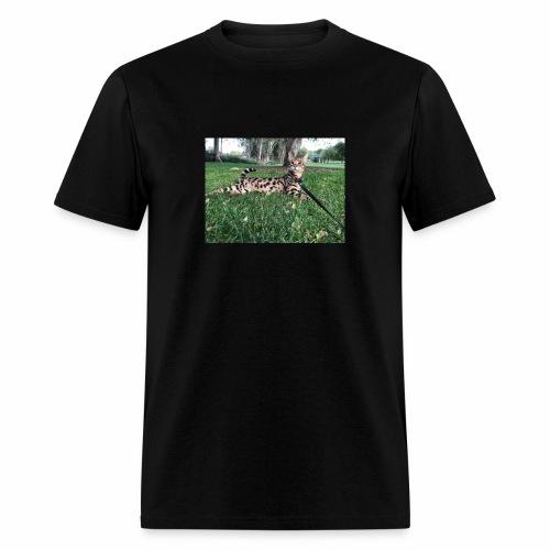Ace at the park - Men's T-Shirt