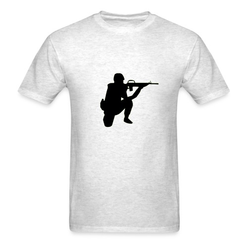 Infantry at ready for action. - Men's T-Shirt