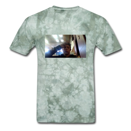 salute - Men's T-Shirt