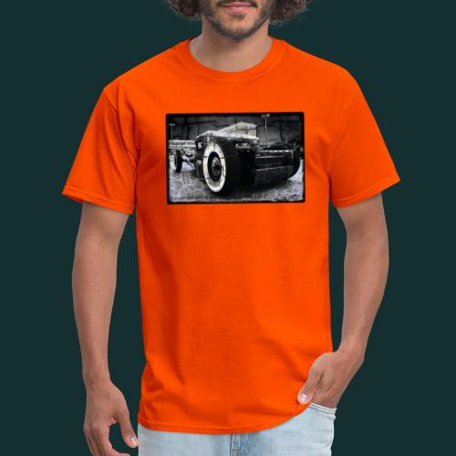 Lucky U - Men's T-Shirt