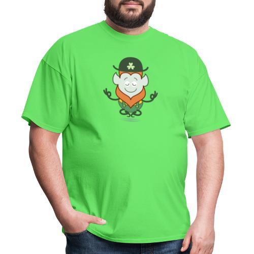 St Patrick's Day Leprechaun meditating - Men's T-Shirt