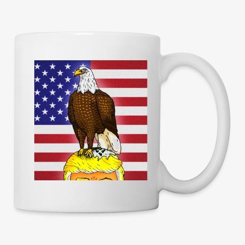 Patriotic Bald Eagle Dumps on Trump - Coffee/Tea Mug
