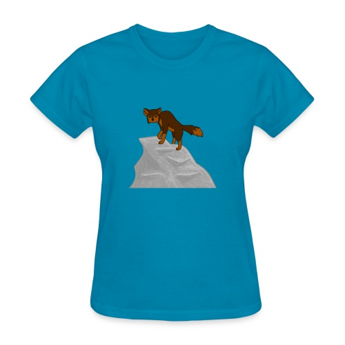 Wolf looking down on Boulder - Women's T-Shirt