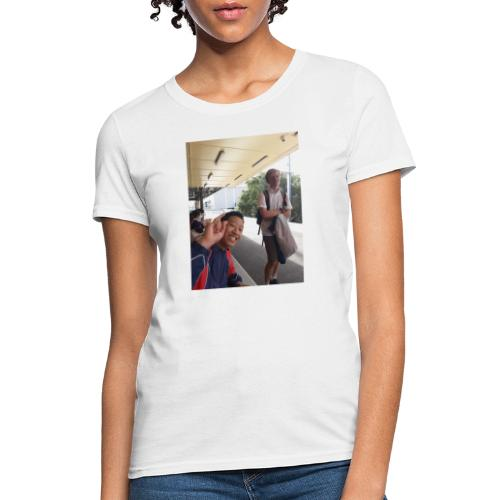 VOOMASS at the train station - Women's T-Shirt