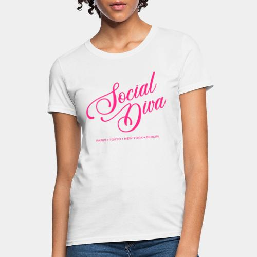 social fashion diva style - Women's T-Shirt