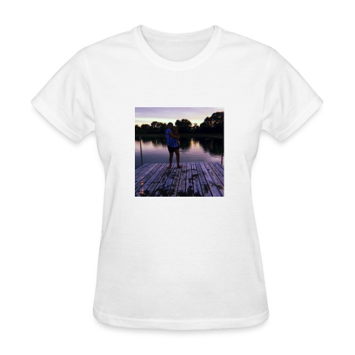 Madelynn fam - Women's T-Shirt