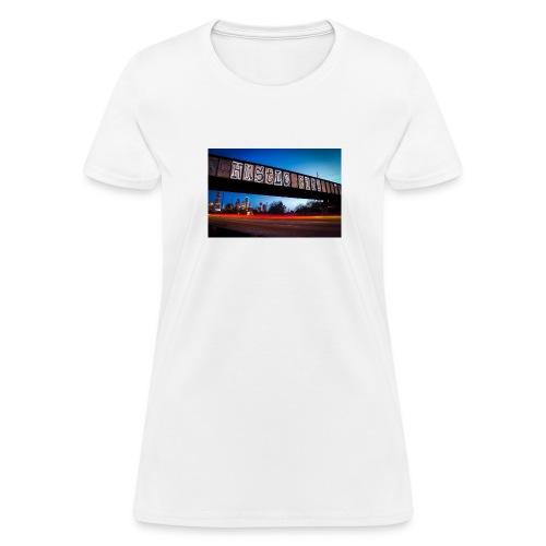Husttle City Bridge - Women's T-Shirt