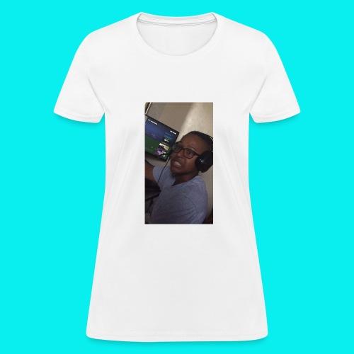 15E4F19A A5C4 4B8C 9D4B E80185404768 - Women's T-Shirt