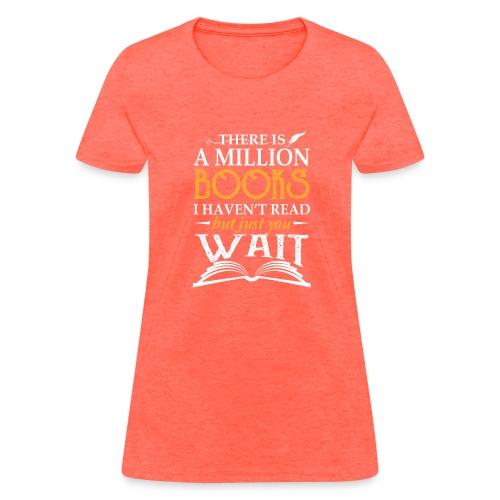 Mini Pig Comes Your Life Steals Heart - Women's T-Shirt