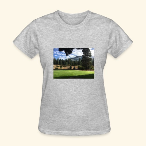 mountain scenery mount shasta pic - Women's T-Shirt