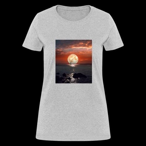 546624F9 2E18 4717 ACC1 5314343473B5 - Women's T-Shirt