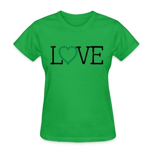 LOVE irish shamrocks - Women's T-Shirt
