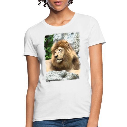 Lion On Rocks - Women's T-Shirt
