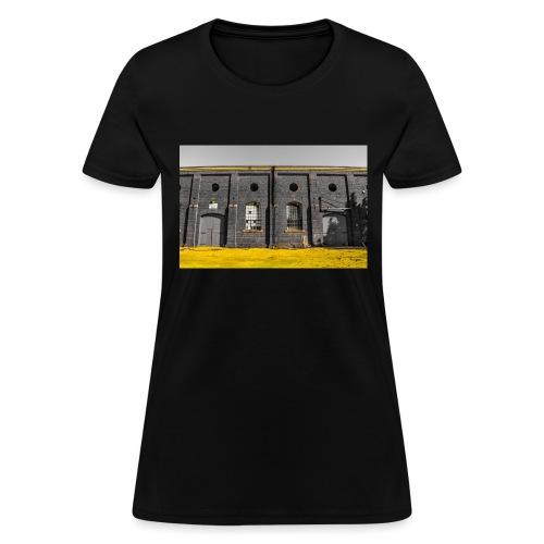 Bricks: who worked here - Women's T-Shirt