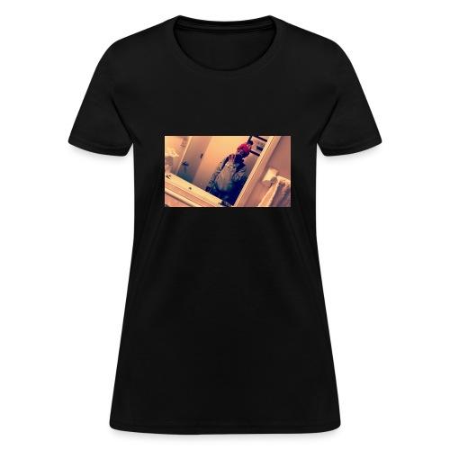 30261493 364462780738957 2048693163899486208 n - Women's T-Shirt
