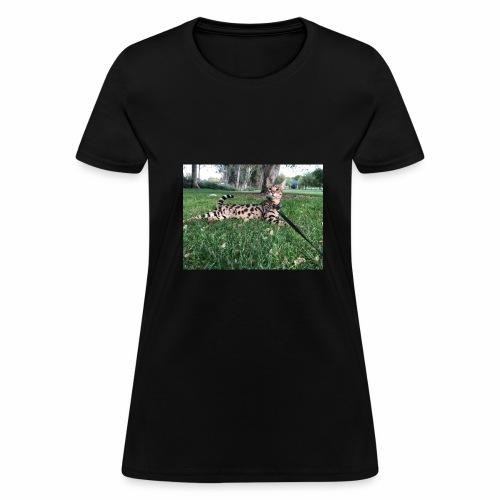 Ace at the park - Women's T-Shirt