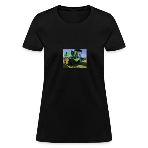 John Deere S670 Combine Shirt - Women's T-Shirt