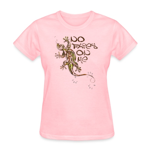 No flies On Me - Women's T-Shirt