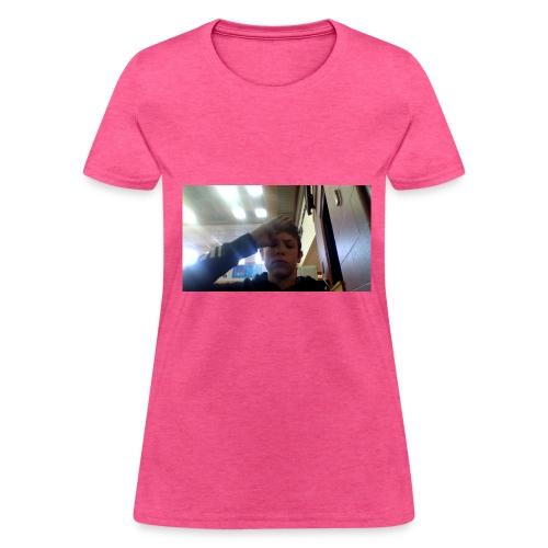 salute - Women's T-Shirt