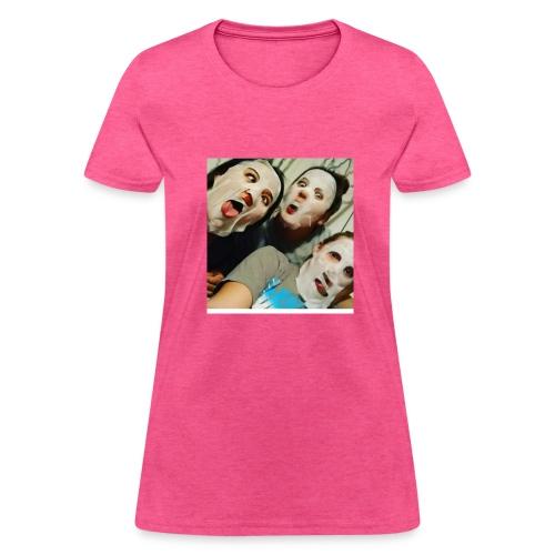 Yesenia - Women's T-Shirt