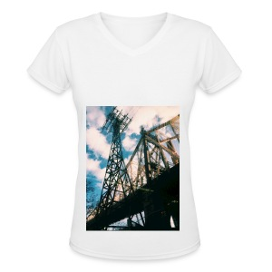 Ed Koch bridge - Women's V-Neck T-Shirt