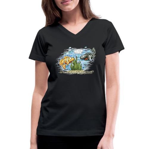 when clownfishes meet - Women's V-Neck T-Shirt
