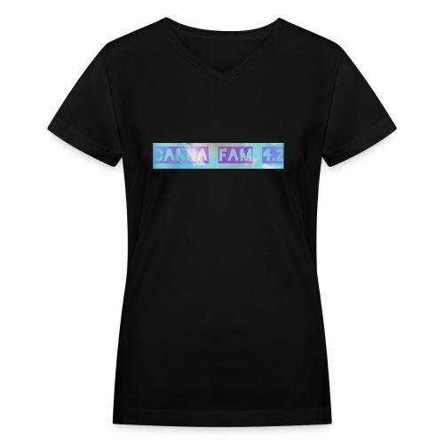 Canna fams #3 design - Women's V-Neck T-Shirt