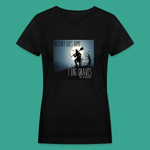 Mort 2019 - Women's V-Neck T-Shirt