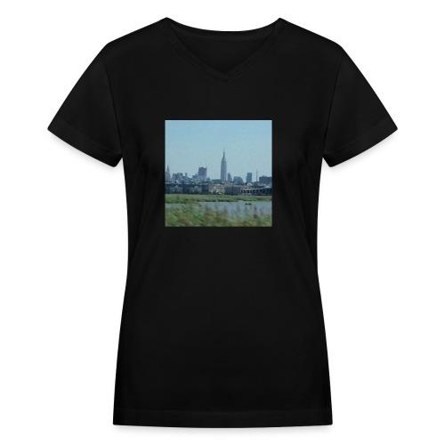 New York - Women's V-Neck T-Shirt