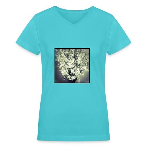 Floral still - Women's V-Neck T-Shirt