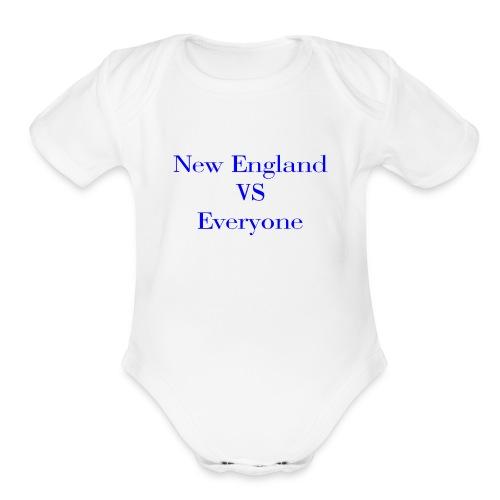 new england vs everyone light shirt - Organic Short Sleeve Baby Bodysuit