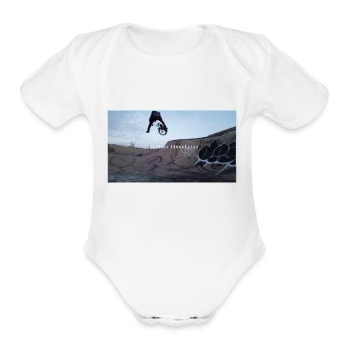 banner tshirt - Organic Short Sleeve Baby Bodysuit
