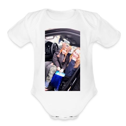 A881A053 E37B 4F1D 88BB 495A2ACBC3E1 - Organic Short Sleeve Baby Bodysuit