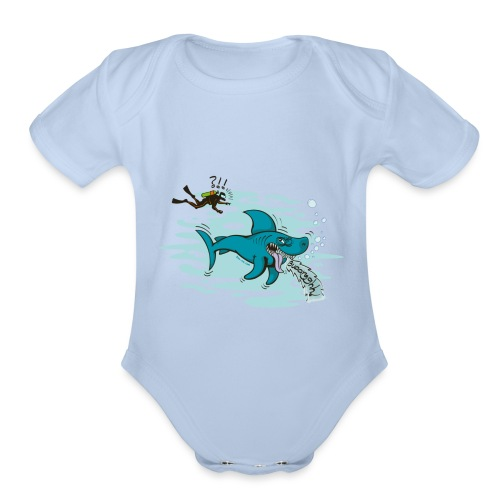 Wild shark feeling disgusted when seeing a diver - Organic Short Sleeve Baby Bodysuit