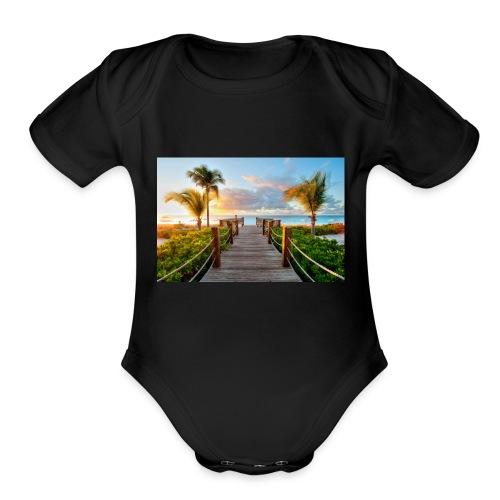 E4901B90 5F90 47B1 94BD B0F516126E80 - Organic Short Sleeve Baby Bodysuit