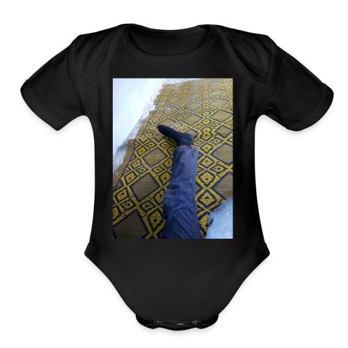 Leg - Organic Short Sleeve Baby Bodysuit