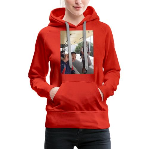 VOOMASS at the train station - Women's Premium Hoodie