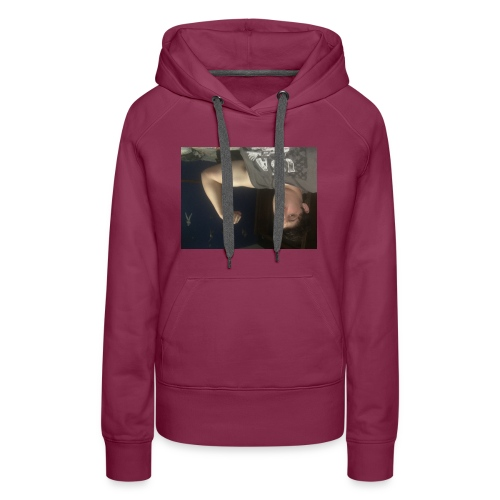 Catch the dub with the muscles - Women's Premium Hoodie