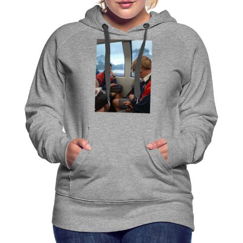 VOOMAS TIME on the train - Women's Premium Hoodie