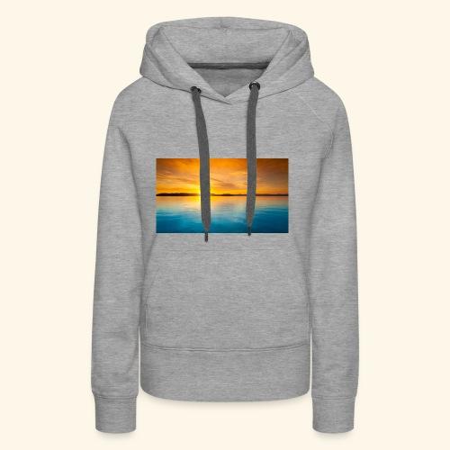Sunrise over water - Women's Premium Hoodie