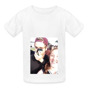 Luke Hemmings with a phone in his face - Kids' T-Shirt